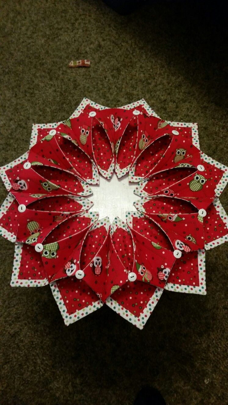 Patchwork Christmas Wreath Pattern