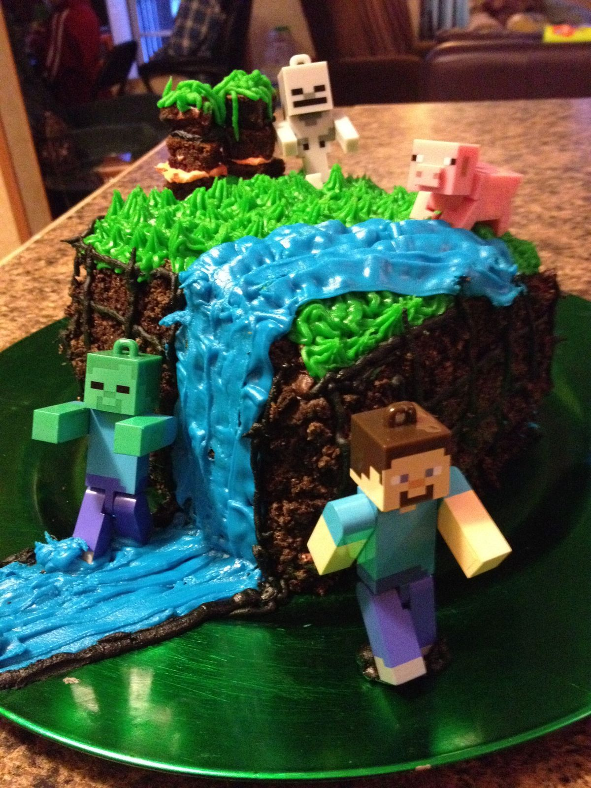 Minecraft Cake For My 12 Year Old S Bday Party It Is Three Layers The Frosting In Between Even Has A Lava Layer 9 Helped Frost