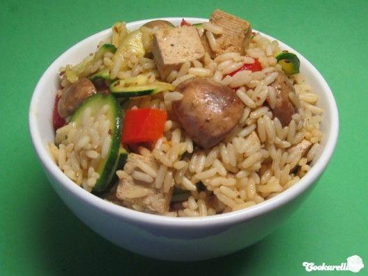 Gebratener Reis mit Tofu und Sesam | Cookarella – Rezepte, kreatives Kochen und mehr! ♥
