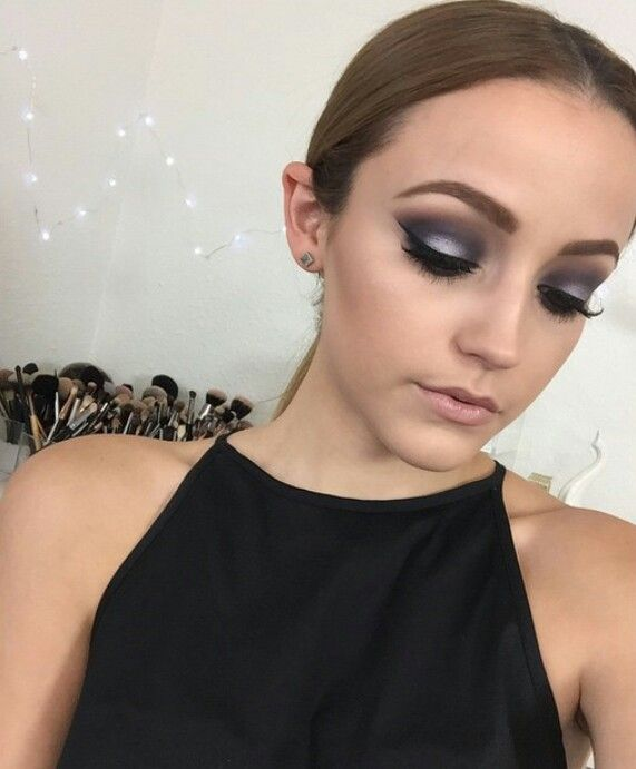 Navy Blue And Silver Smokey Eye Makeup For Performances Navy