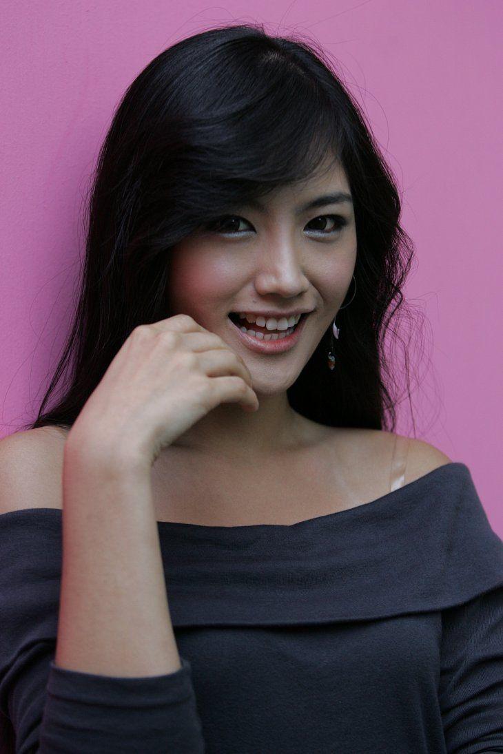 Kim Si-hyang (김시향) - Picture   Modellen
