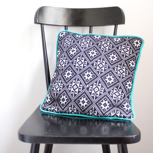 How To Make A Cushion Cover With Piping Step By Step