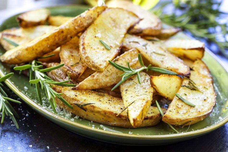 طريقة عمل ويدجز البطاطس Food Roasted Potato Recipes Recipes