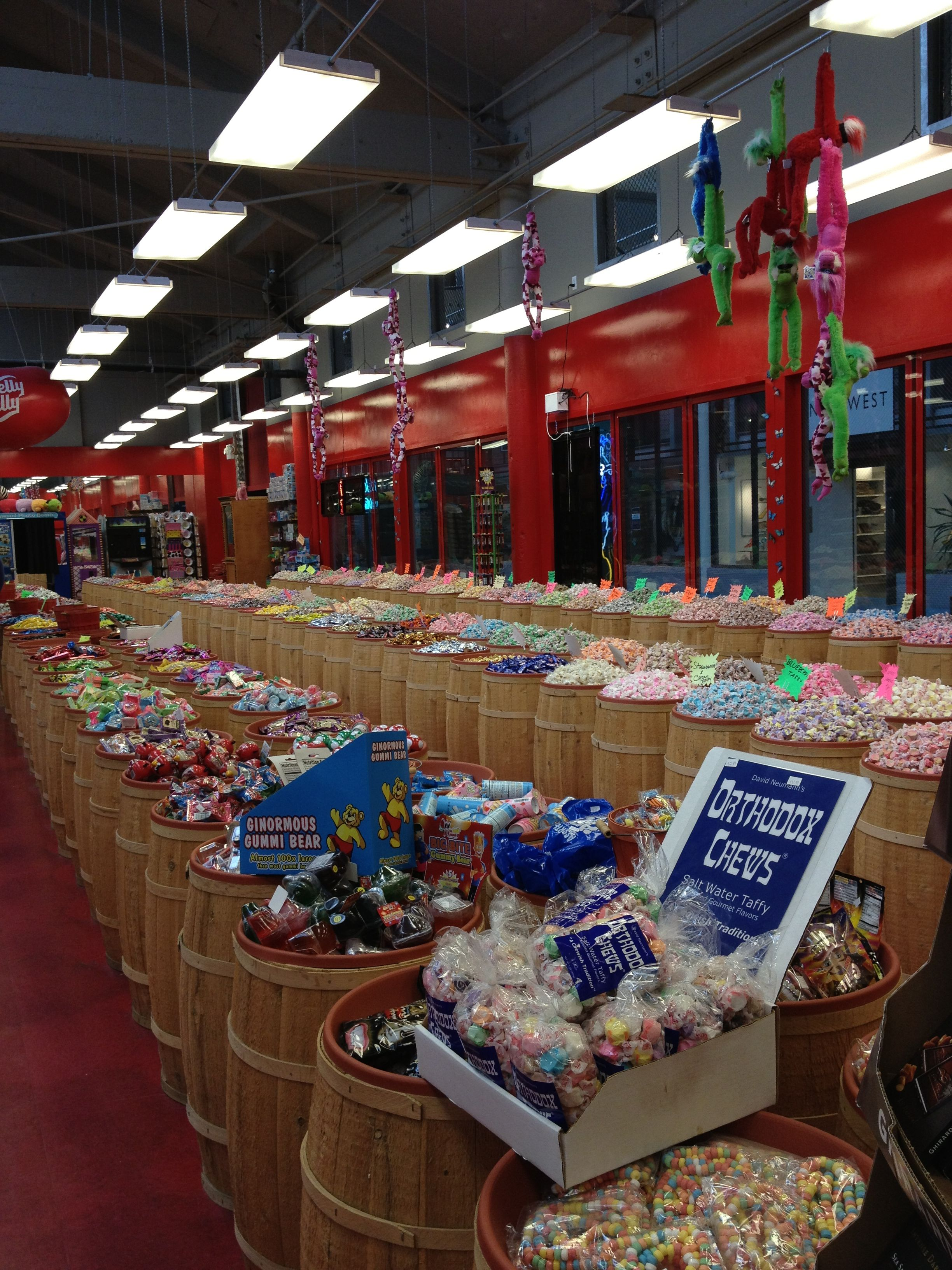 giant gummy food store