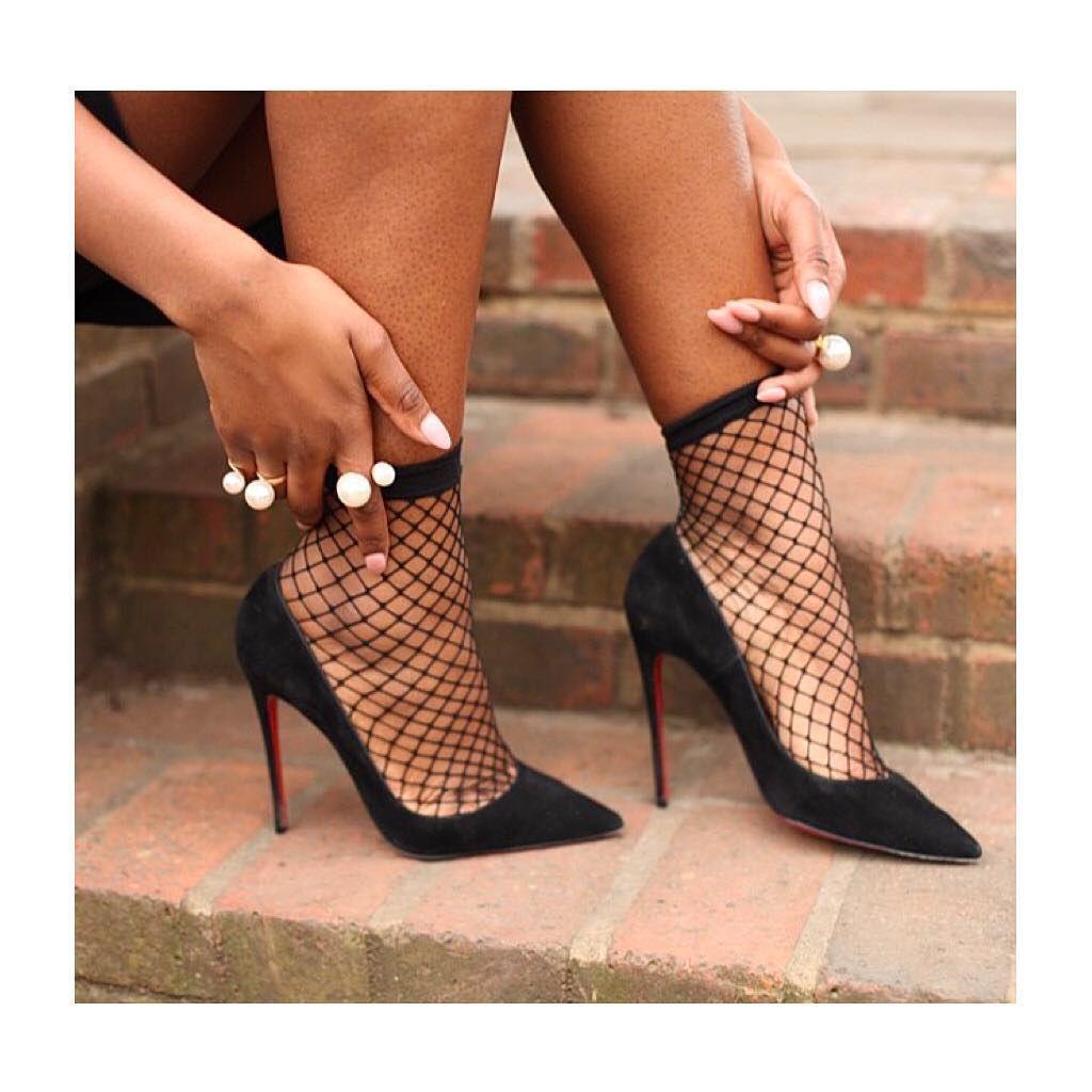 04710c591ab P I N T E R E S T : @amoonlitbadland | Street style | Shoes, Socks ...