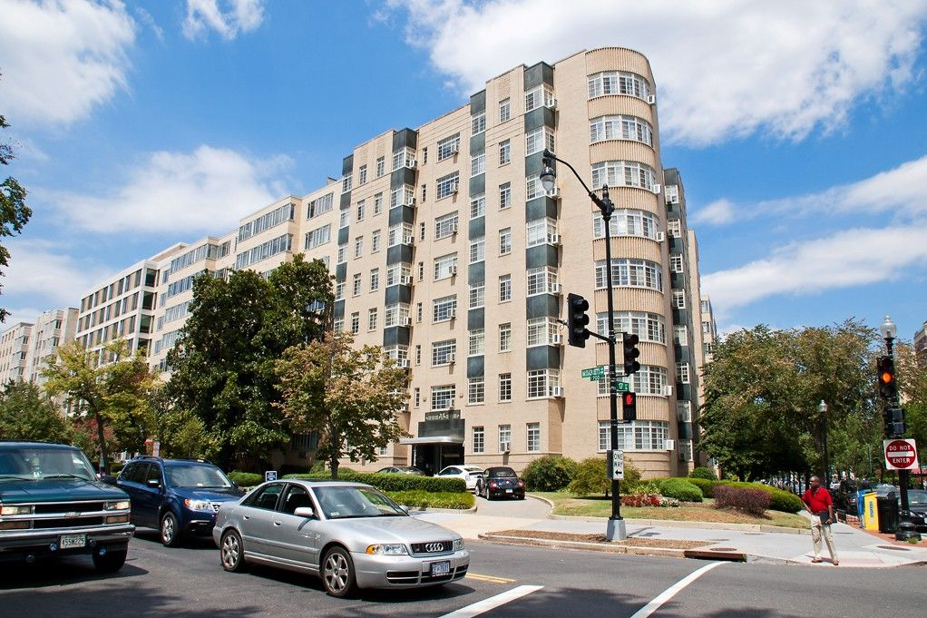 The Baystate Wc Smith Apartment Building Rooftop Deck Dc Apartments