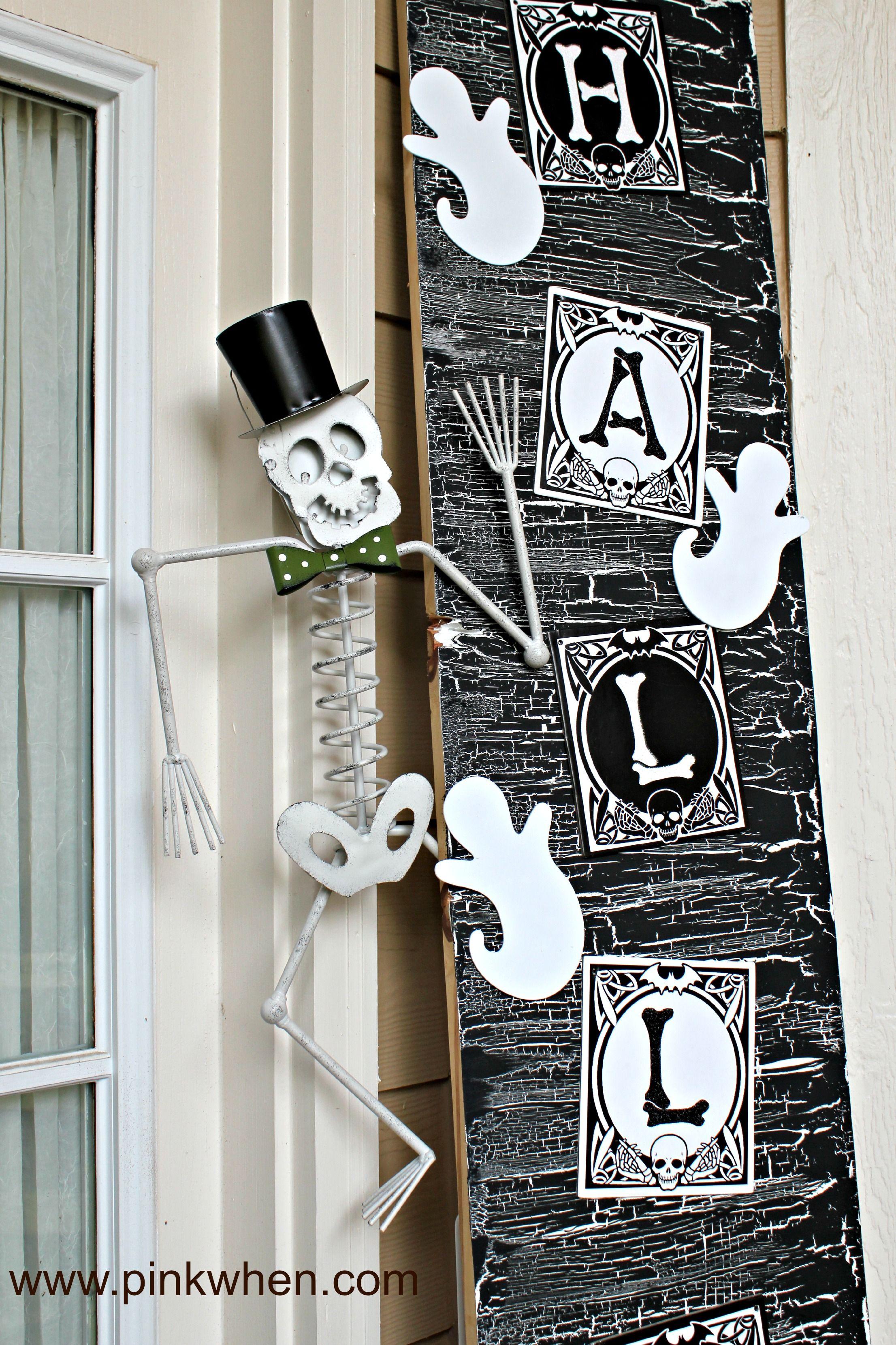 Halloween Door Decor and #spookyspaces with PinkWhen Halloween - pinterest halloween door decor