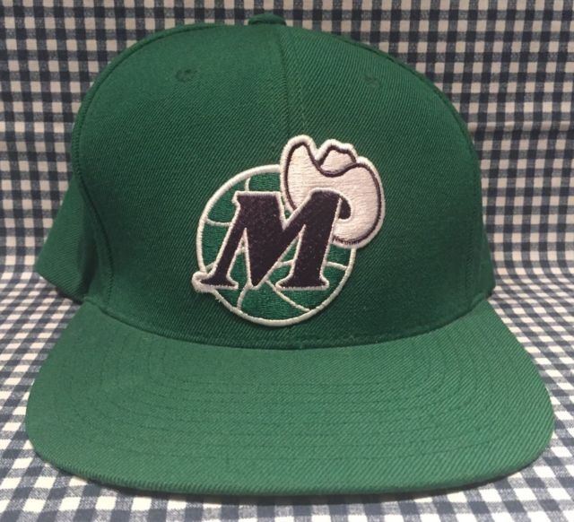 buy popular 1a2f9 a6daf Dallas Mavericks Mitchell   Ness Hardwood Classics SnapBack Adjustable Hat  NBA   eBay