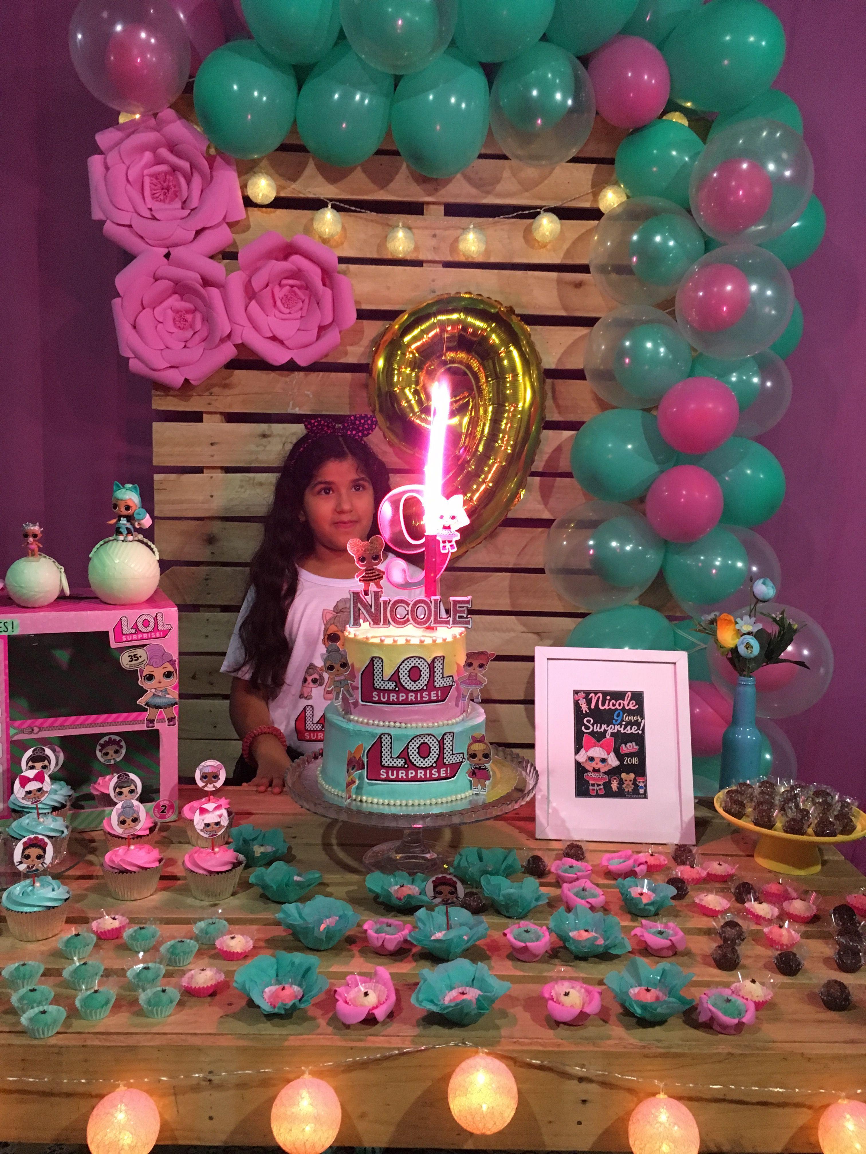 Festa lol surprise com paletes festa feita por mil bolo lol surprise feita pela prestígio de  # Decoração De Festa Lol Simples