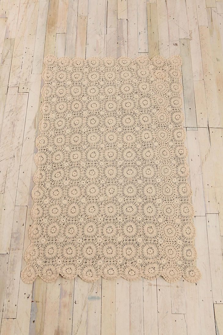 3x5 Crochet Top Rug - Urban Outfitters