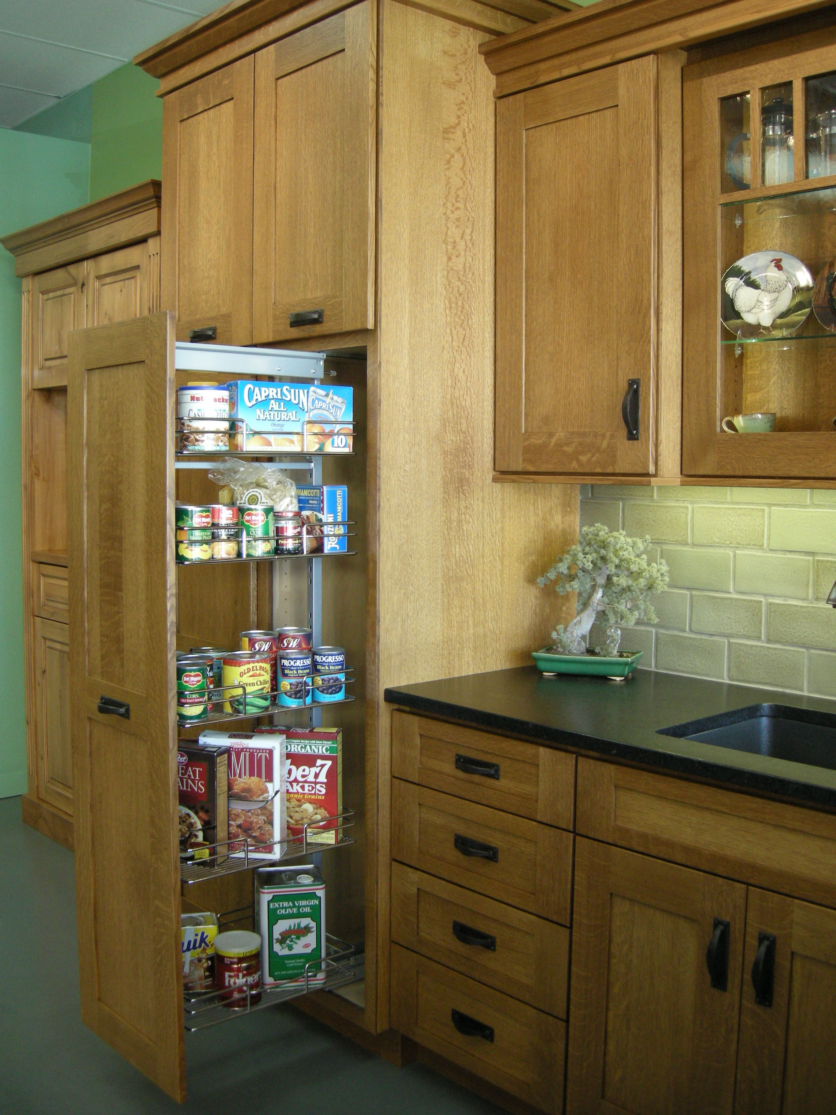 granite and hardware scheme on wood cabinets check out tile ...