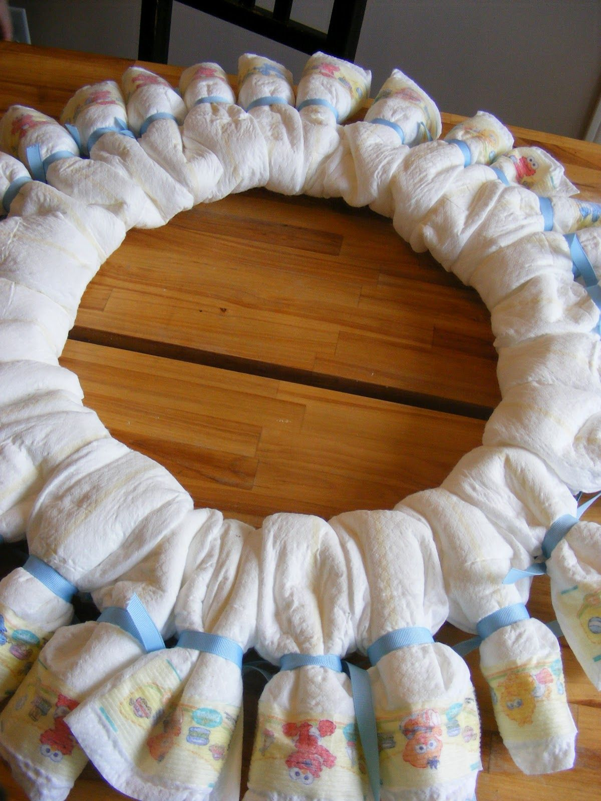 1.bp.blogspot.com -gwAM_A_a-dA T8zLhU0C6dI AAAAAAAADBI OBjSsH9kNa0 s1600 diaper+wreath+back.JPG