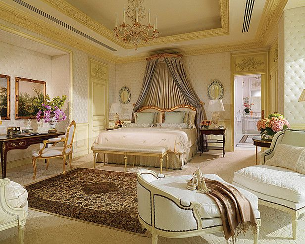 luxury bedroom designs with amazing interior decorations ideas - Luxurious Bed Designs