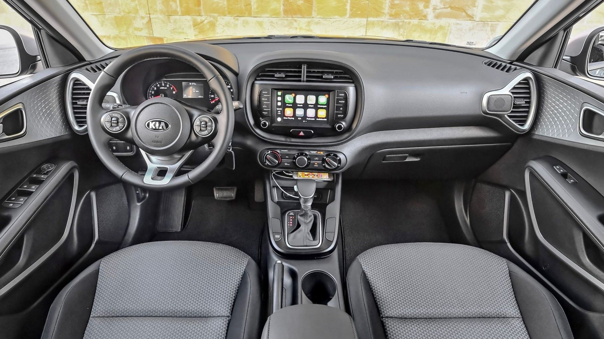 Kia Quoris 2020 Interior Prices In 2020 Kia Soul Accessories Kia Soul Kia Soul Interior