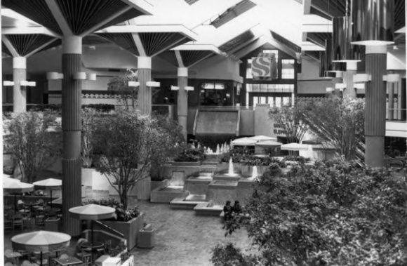 suburban regional shopping malls Suburban regional shopping malls: can the magic be restored the suburban regional shopping mall is regarded by manyas the.