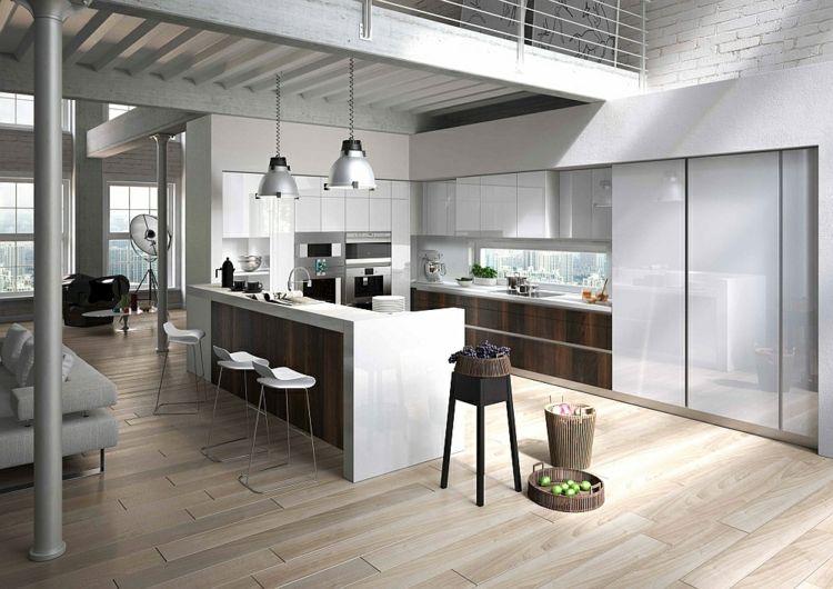 Küche mmit weißen Oberschränken und Unterschränken aus Buche - k chenzeile ohne oberschr nke