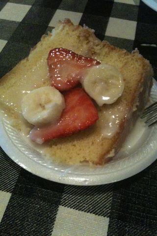 Leo S Bbq Okc Strawberry Banana Cake Some Tried To Recreate It With
