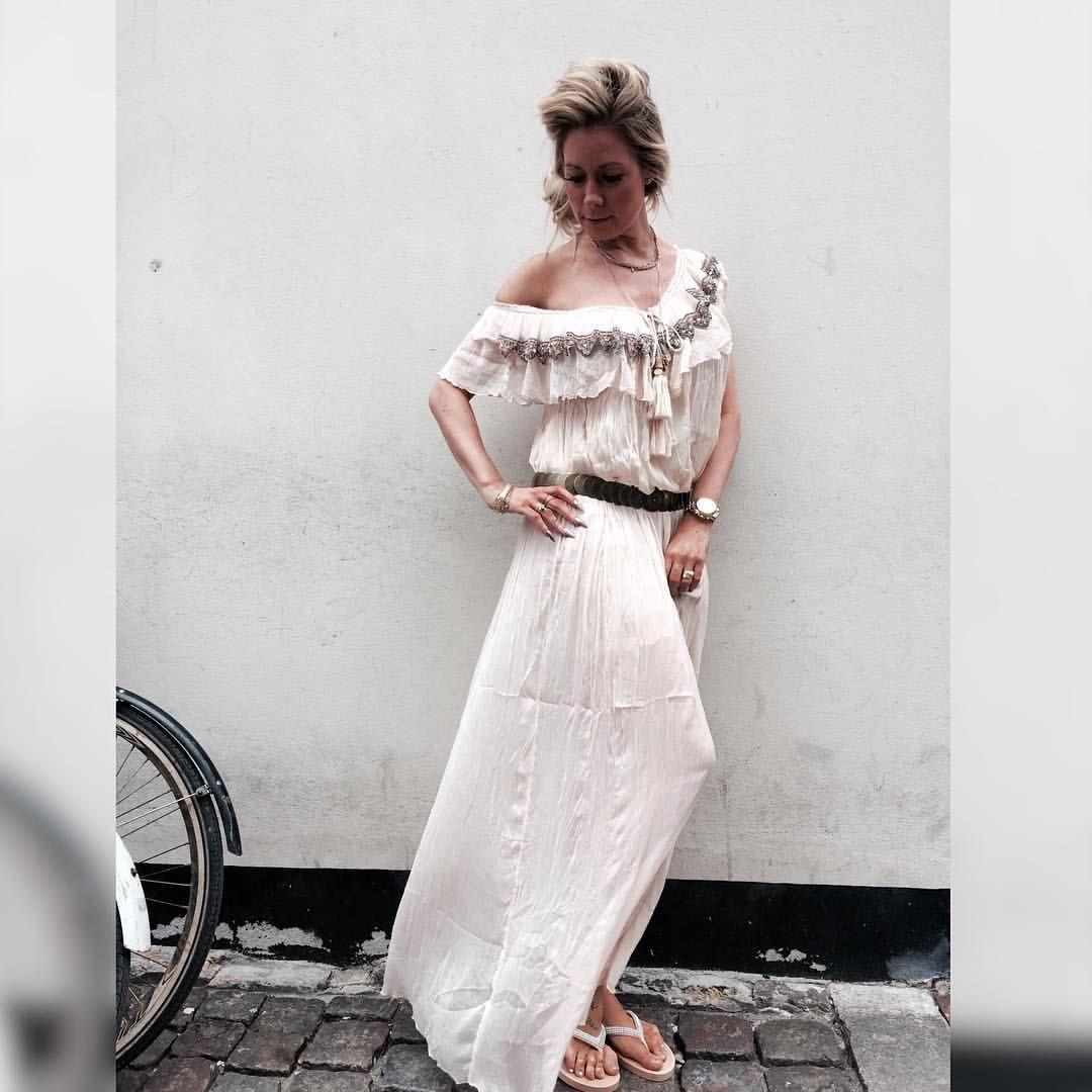 #buchcopenhagen denne smukke kjole er også lige landet på Østerbro, blir sendt ud til de andre forretninger idag