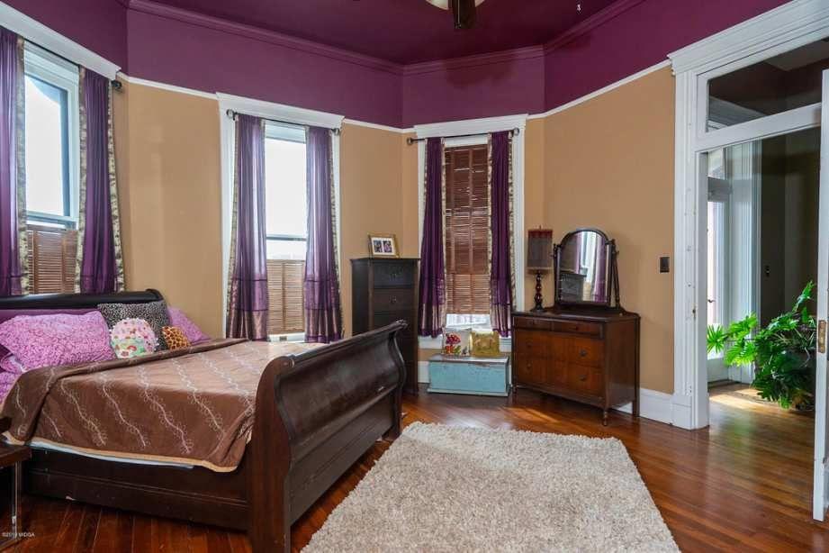 C 1900 Queen Anne Macon Ga 425 000 Old House Dreams Old House Dreams Heart Pine Flooring Pine Floors