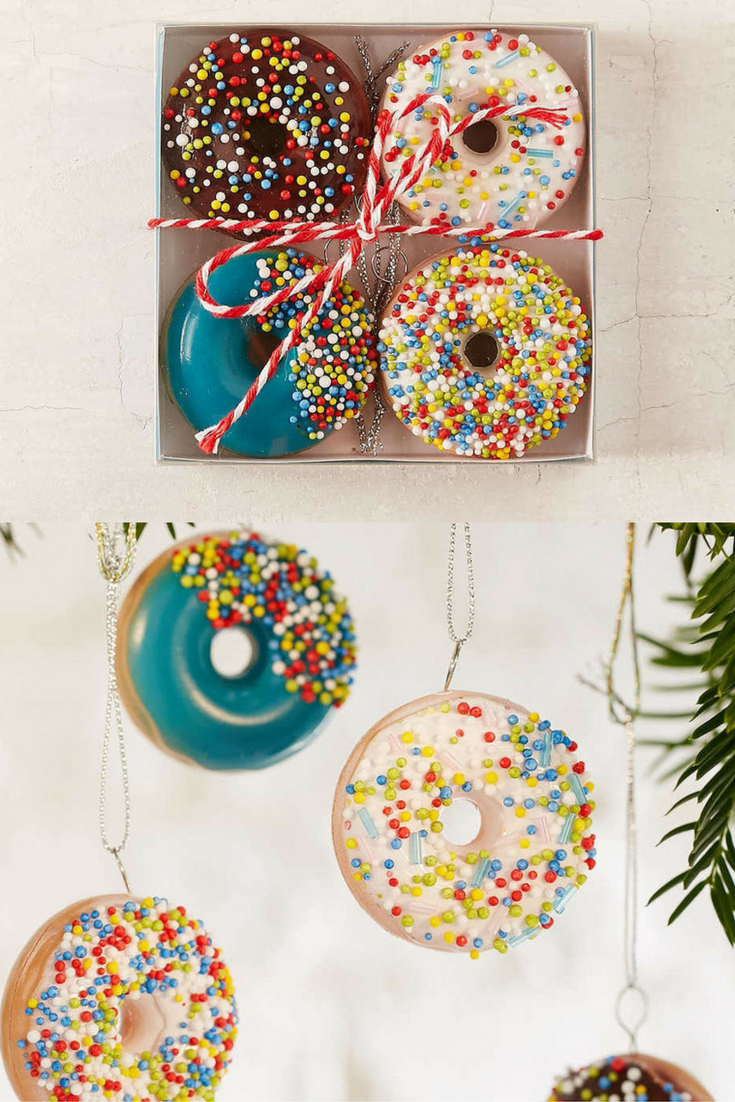 Donut Ornament Set 4pk Set Of 4 Plastic Donut Ornaments That Look Delicious Enough To Share Complete With Lo Ornament Set Donut Ornament Unique Items Products