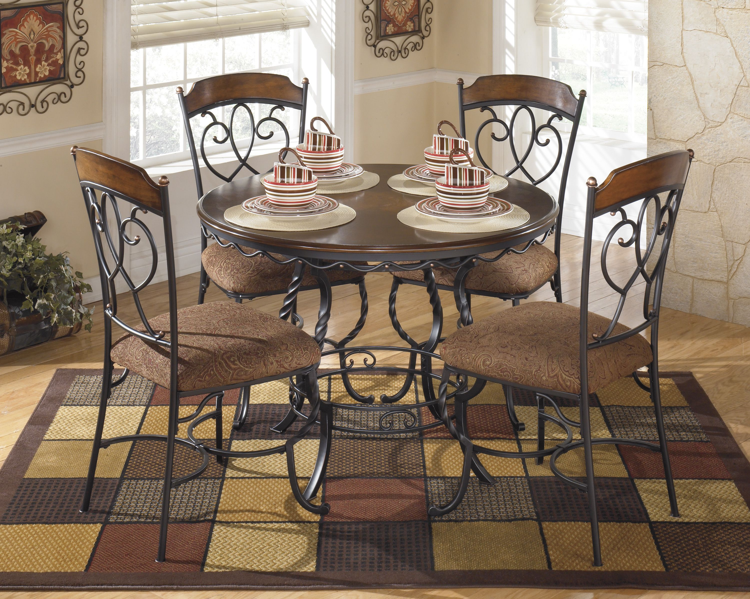Admirable The Nola 42 Round Table 4 Chairs Dining For Smaller Bralicious Painted Fabric Chair Ideas Braliciousco