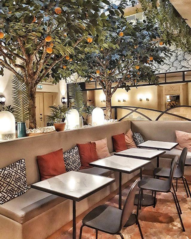 Audrey Sur Instagram Indoor Green Moment At Hotelroyalmadeleine Restaurantinterior Interiord In 2020 Outdoor Furniture Sets Restaurant Interior Outdoor Decor