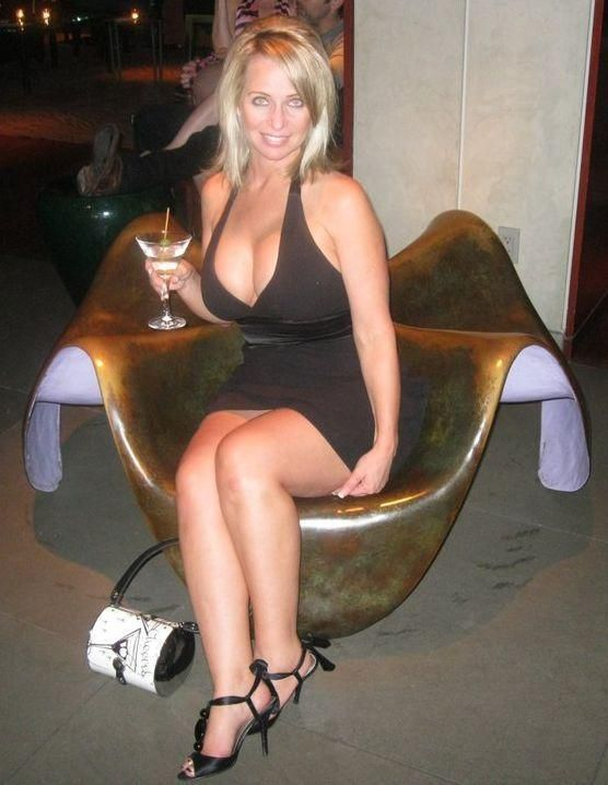 Dating site older woman milf man