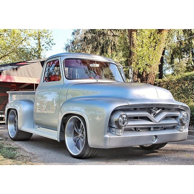 Gorgeous 1955 Ford F100 Pickup Truck In Silver Classic Style