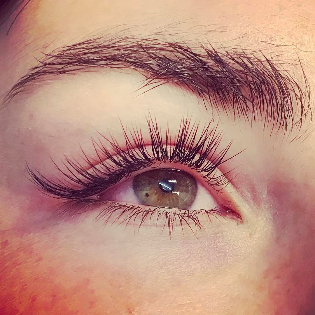 And Again With Lashes Classic Full Set Cat Eye Effect