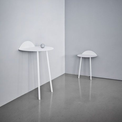 Menu | Yeh Wall Table, Low | You can purchase this item at our showroom minimum at Aufbau Haus in Berlin Kreuzberg and online at www.minimum.de