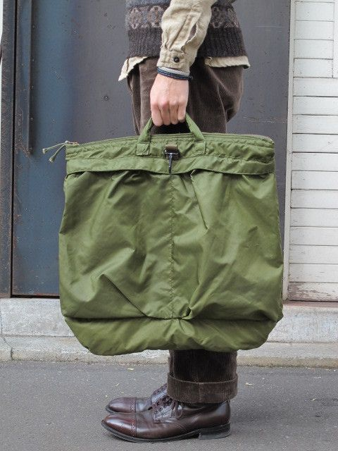 Free Shiopping New  U.S. Air Force Pilot s Helmet Bags Apron Version Naval  Aviation Handbag Army Green On A Commission Basis ad1f3f6a28d3b