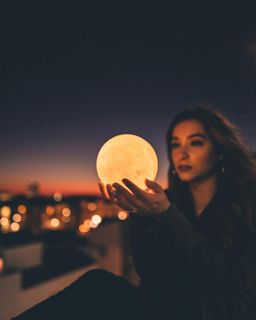 she has the moon in her hands. 🌕 if youve ever wanted to
