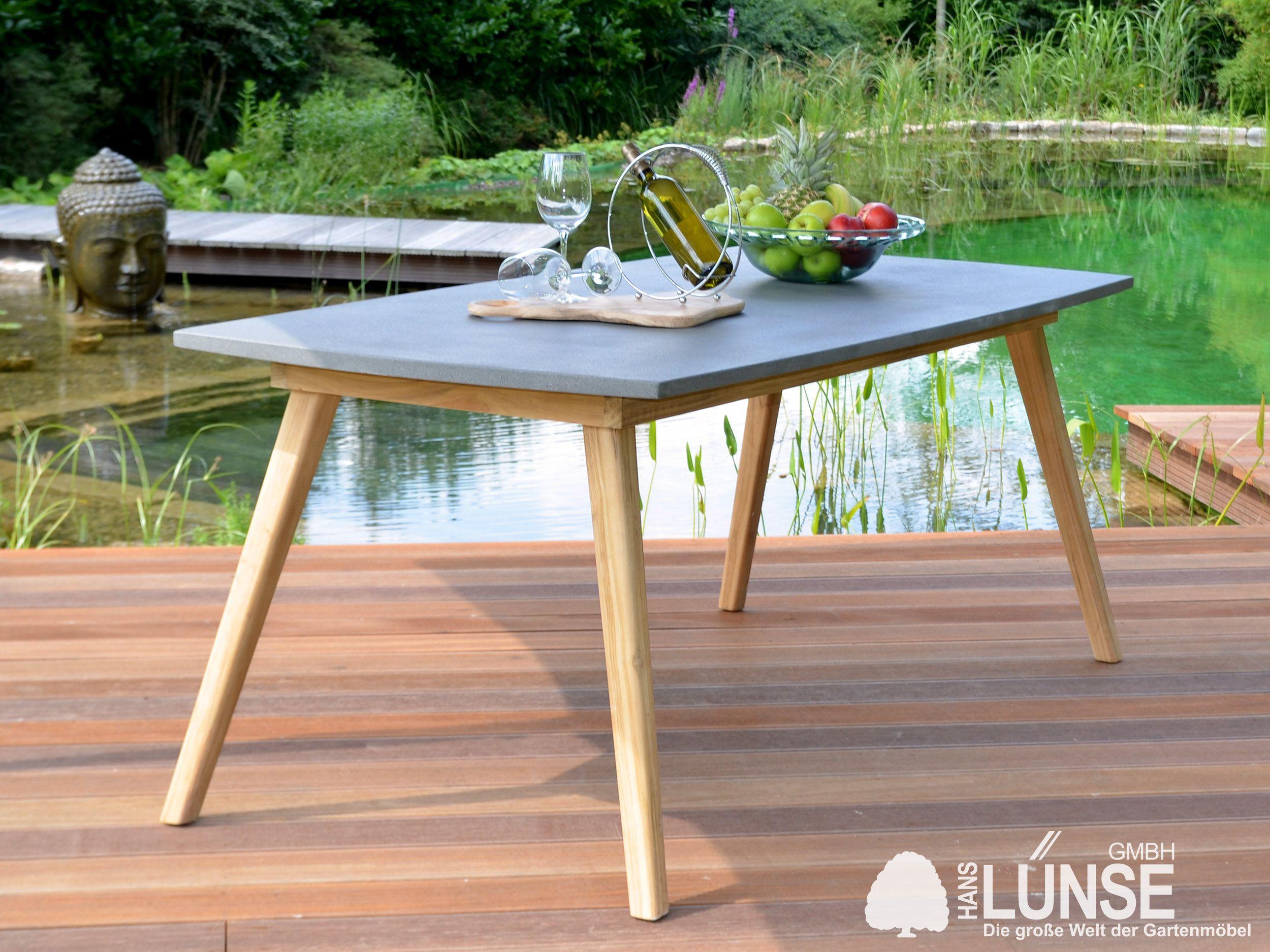 Ein Gartentisch Ist Meist Der Mittelpunkt Des Gartens Wer Wert Auf Asthetik Und Design Legt Wird Von Diesem Dining Tisch Begeis Teak Holz Gartentisch Teakholz
