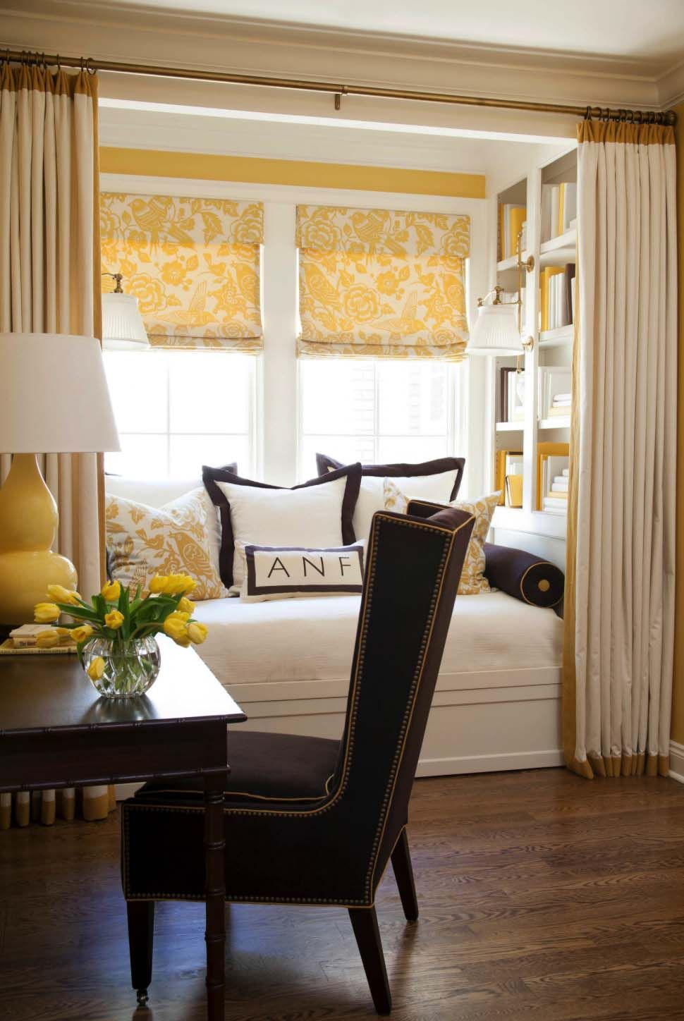 30 Incredibly cozy builtin reading nooks designed for