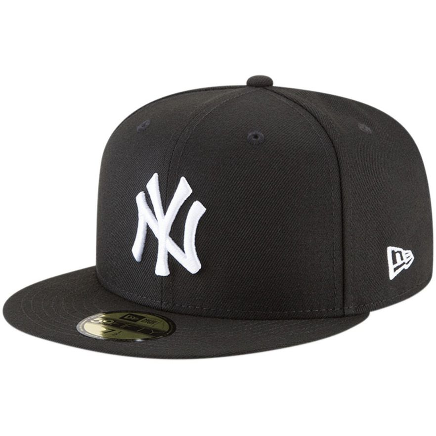 7 New Era Boys New York Yankees Cap in Navy