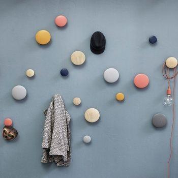 Pomelli Appendiabiti Design.Muuto Gancio Appendiabiti Singolo The Dots Grigio Scuro