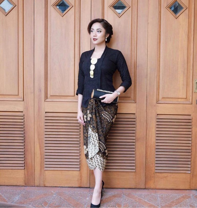 Kebaya Kutubaru 2019 Kebaya Cuts Di 2019 Kebaya Gaun Dan Gaun
