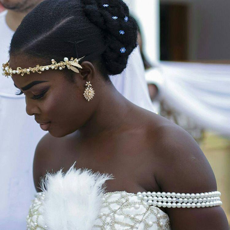 Shidelbride was looking stunning... @idoghana  @ahoufebridal  @africaweddingvendors @wedding_slayers