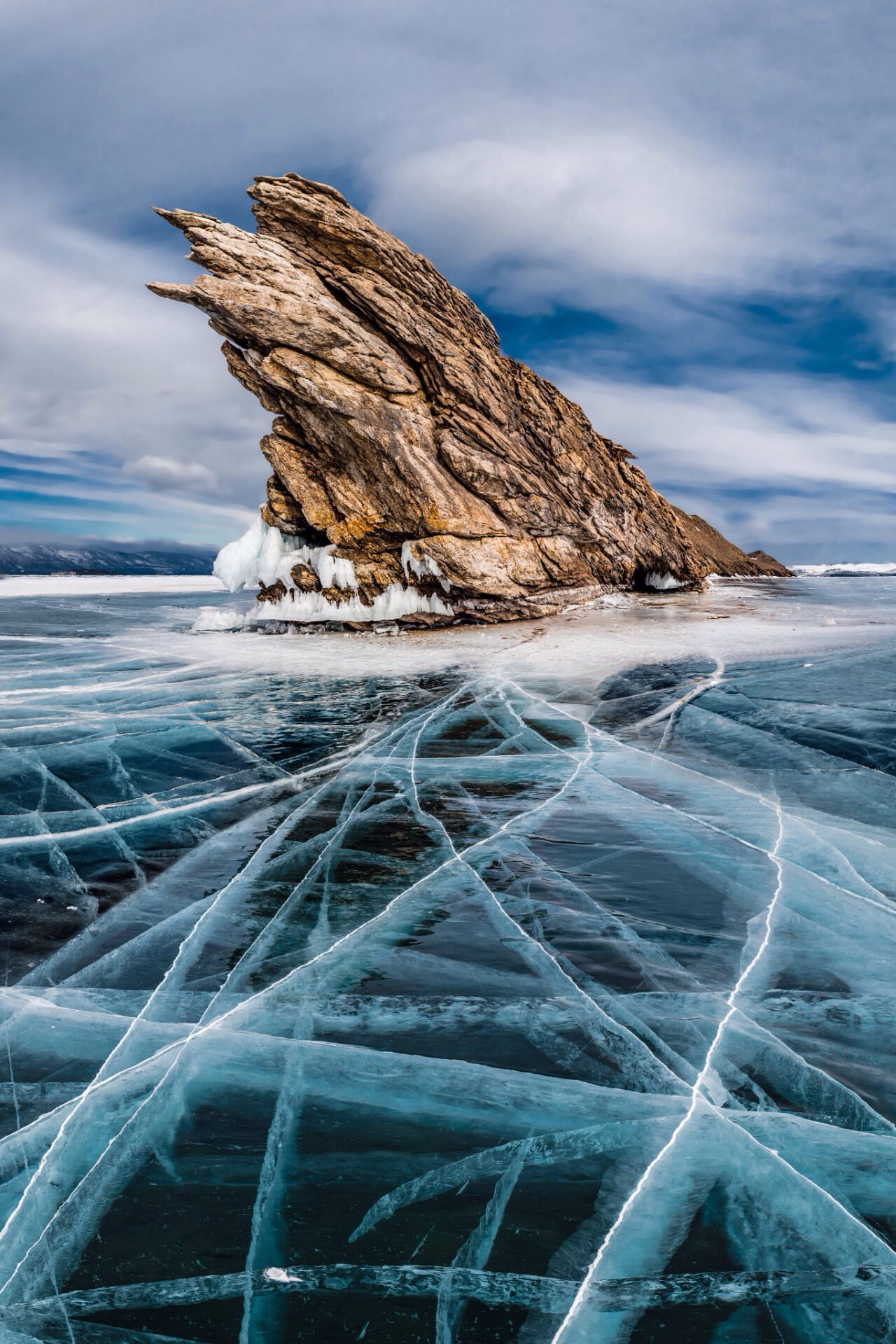 Solid Rock With Fragel Ice Lake Baikal Lake Winter Scenery