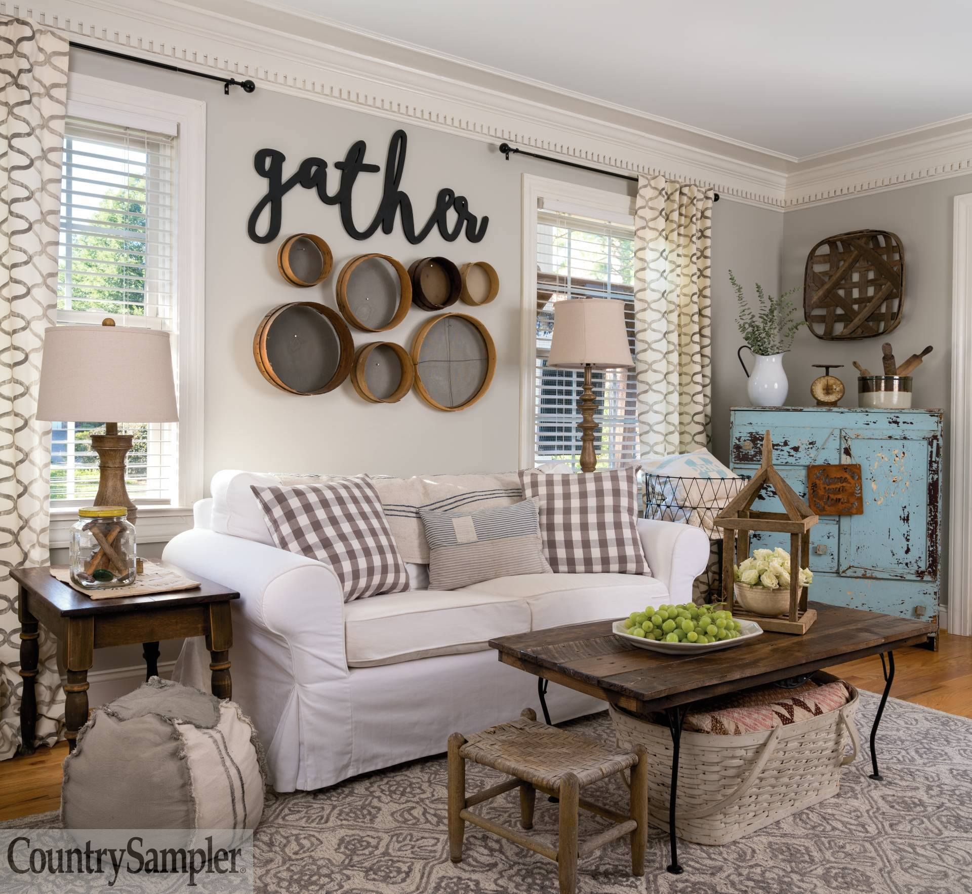 Homeowners Amy And Jason Grassinger Bring Vintage And Thrifted Finds Together In Fre In 2020 Primitive Country Living Room Farm House Living Room Primitive Living Room #primitive #decor #living #room