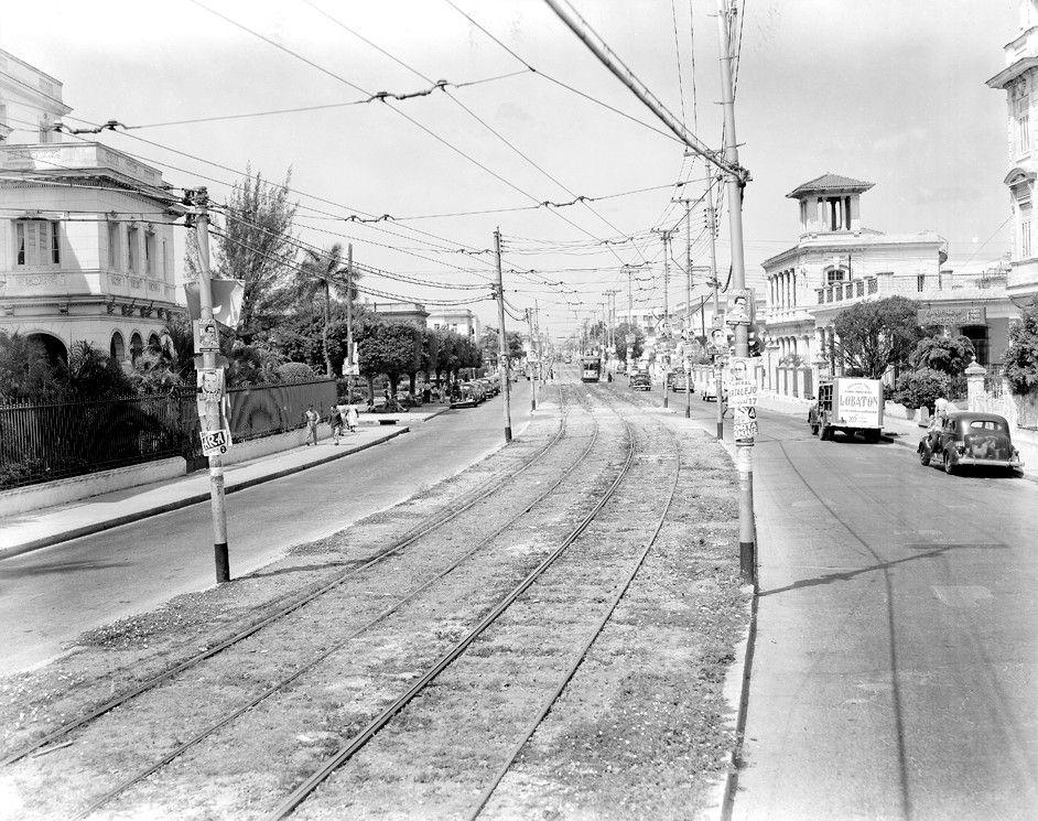 Calle Línea y D, Vedado, 1950,Habana.