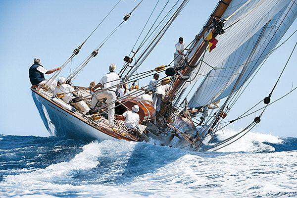 Klassische segelyachten  Franco Pace ph. | Yachts | Pinterest | Segeln, Boote und Kunst