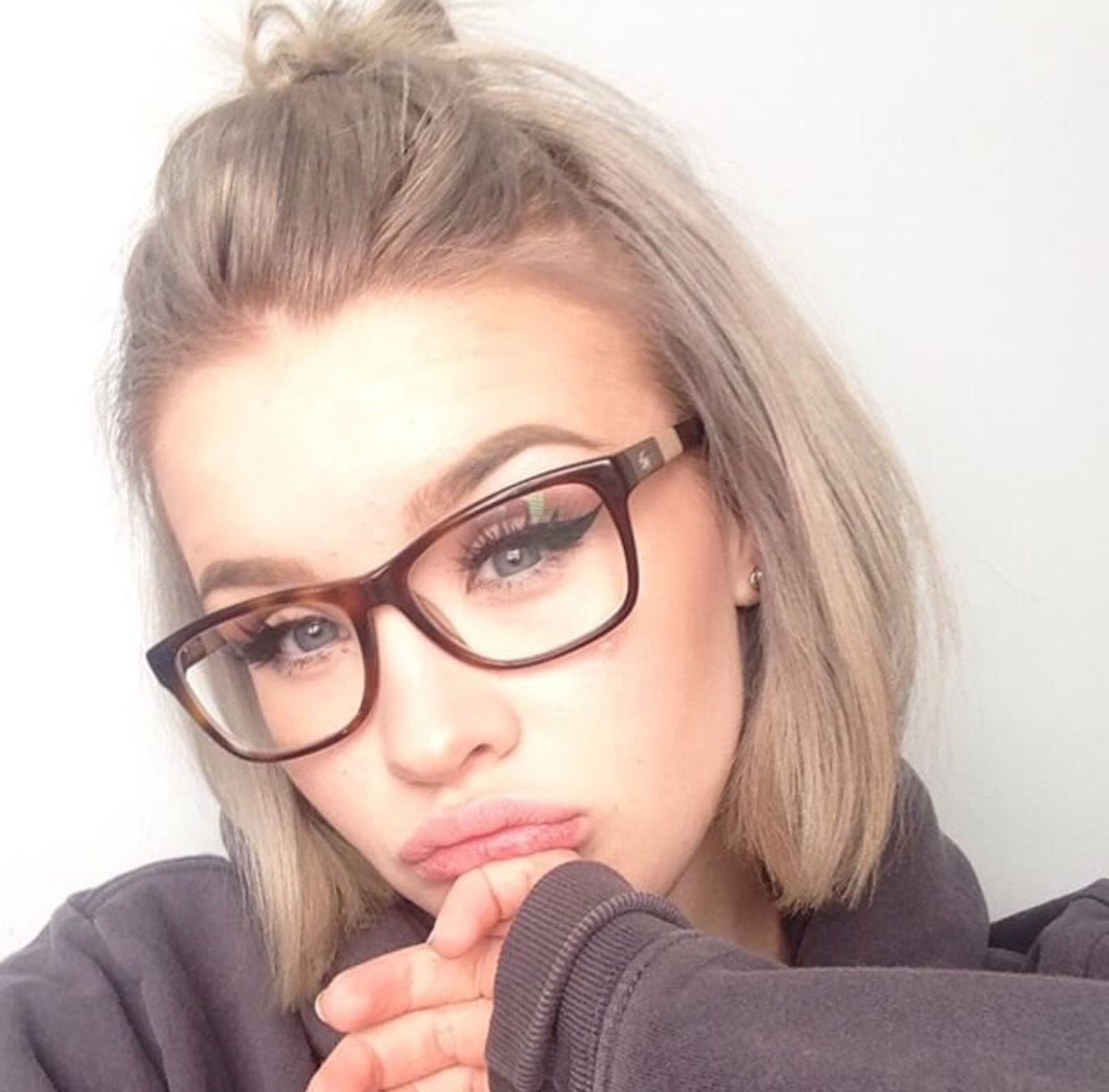 Short hairstyles with glasses - Short Hair Up Do