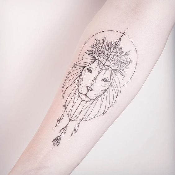 Femme Lion Inspiration Tatouage Pinterest Tatouage Tatouage