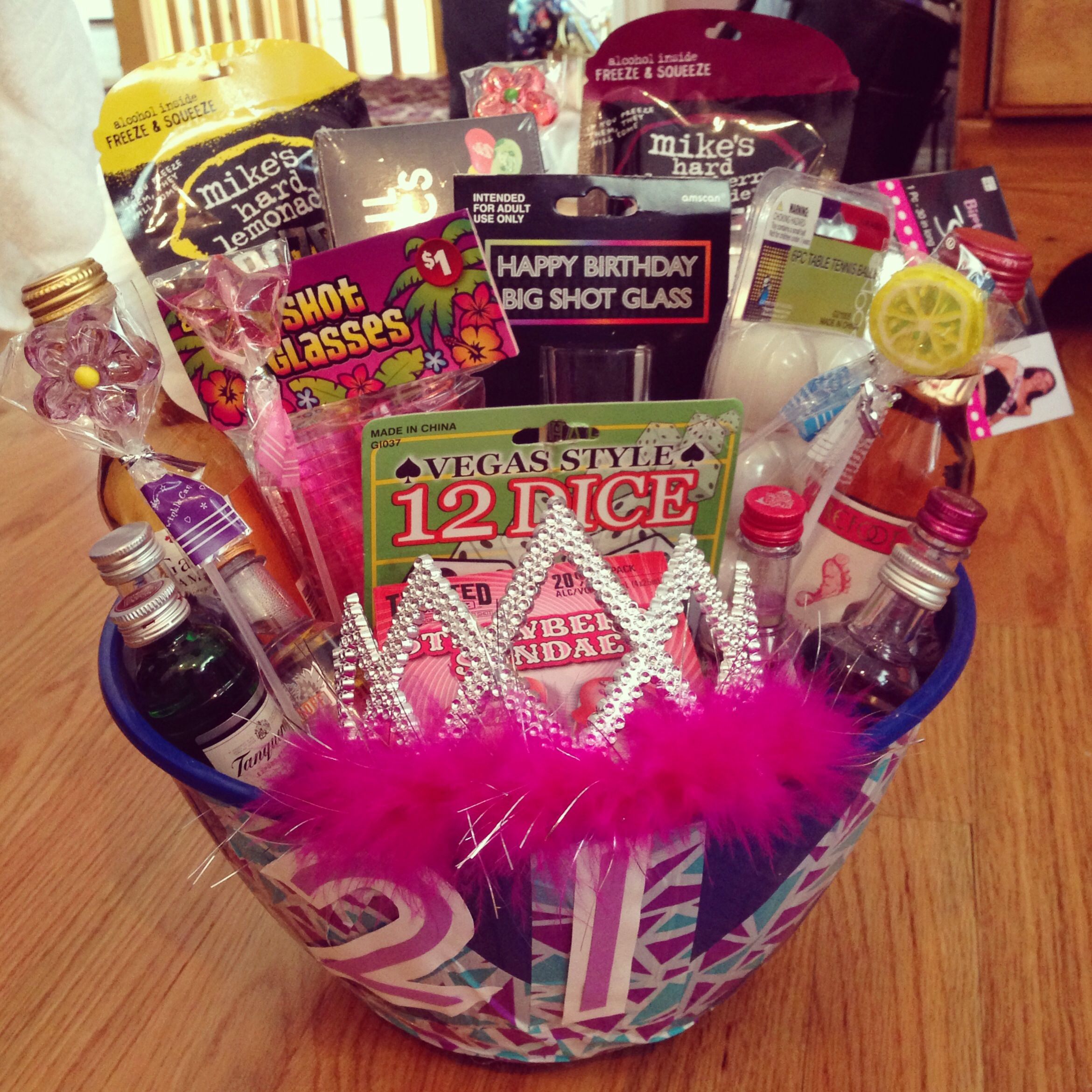 Birthday Gifts For 21 Year Old Women: 21st Birthday Gift Basket #diy