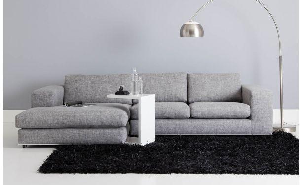 Ruime loungebank in strak design met hoogwaardige chromen plint. de