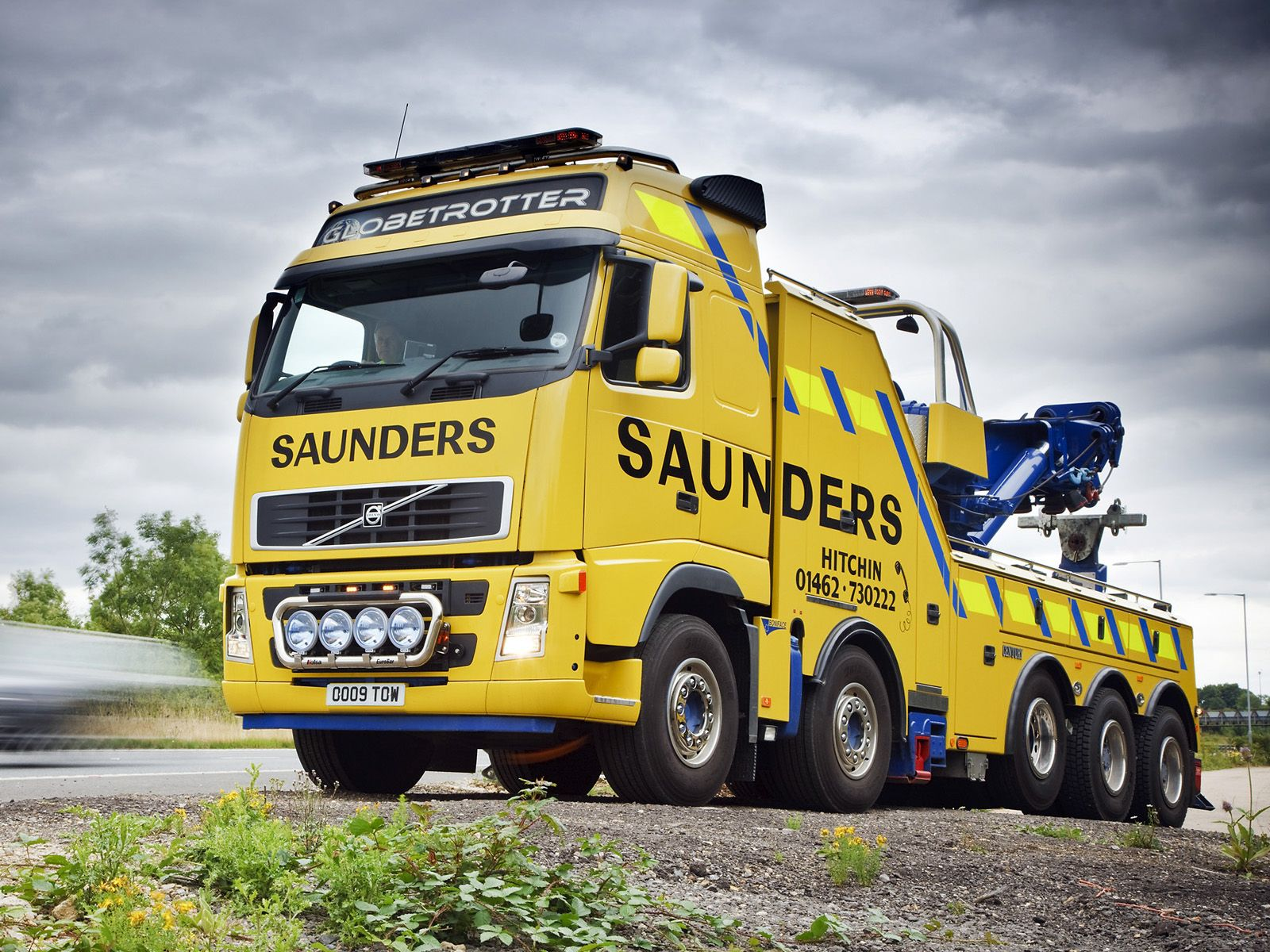2008 volvo f h 520 10x4 wrecker uk spec towtruck semi tractor wallpaper 1600x1200