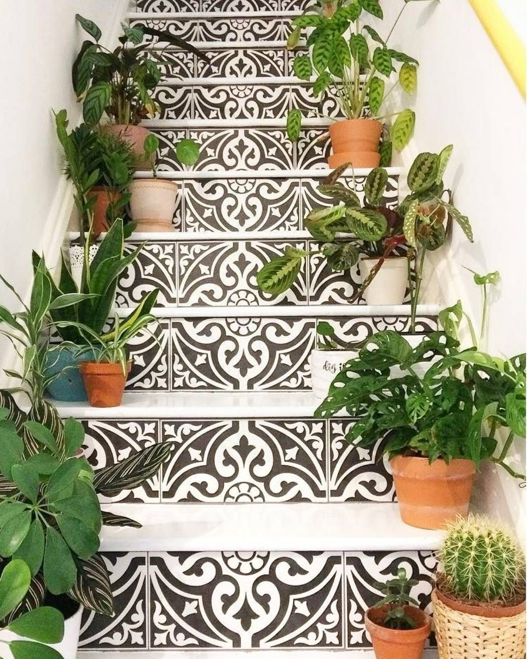 Best Pin By Mary Zmuidzinas On Tile Love In 2020 Staircase 400 x 300