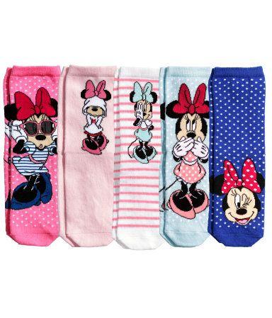 5 paria sukkia, koko 28/30. 9,99 €. Voi olla myös muilla suosikki-hahmoilla.