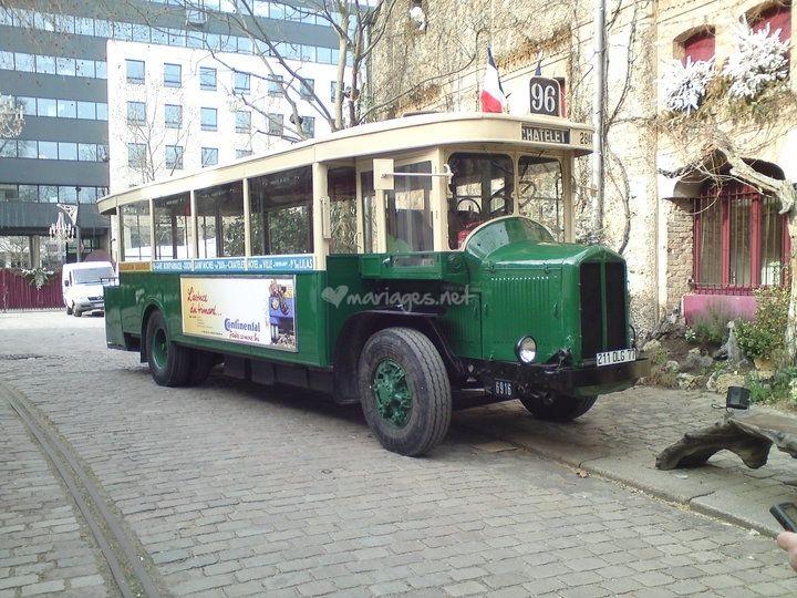 location d 39 un bus vintage autobus parisien tn6 de 1934 de sauvabus association foto 0. Black Bedroom Furniture Sets. Home Design Ideas